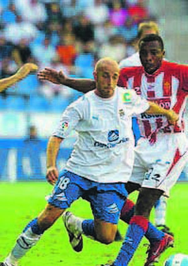 Óscar Pérez Bovela erzielte das 1:0 gegen Poli Ejido