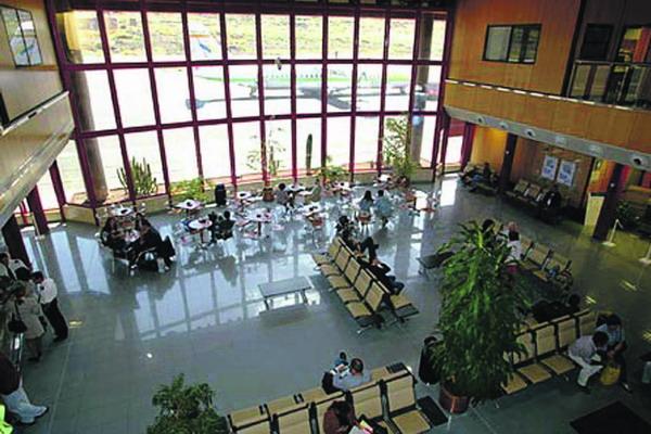 Der Anstieg der nationalen Flüge war auf dem Flughafen von El Hierro mit acht Prozent am größten