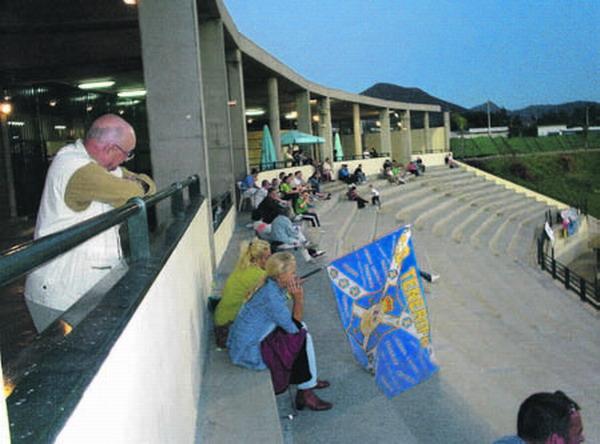 Auch weibliche Fans des CD Tenerife kamen zum Testspiel nach Playa de Las Américas