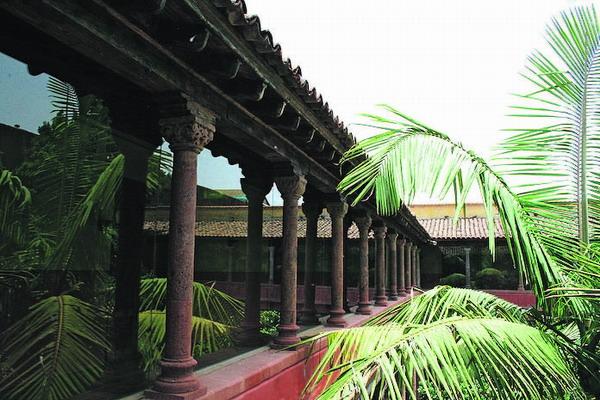 Die Kreuzgänge sind im Renaissance-Stil gebaut und dienten einst als Verbindung zwischen den Gebäudeteilen.