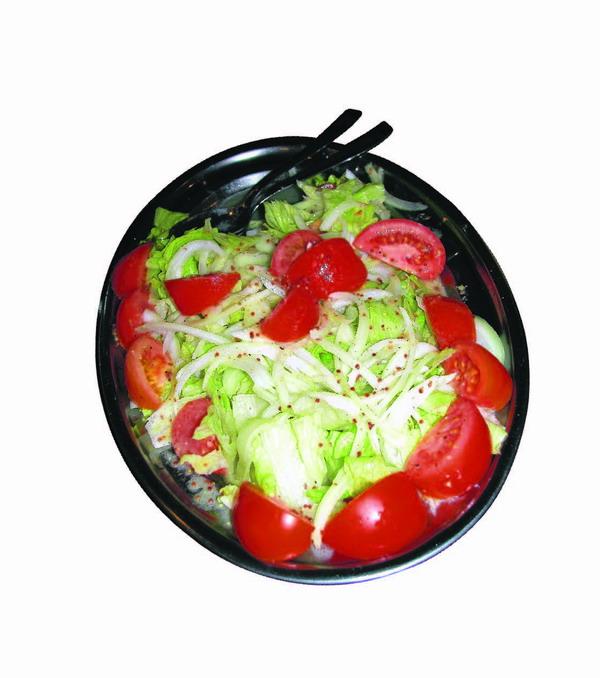 Salat mit hausgemachtem Senfdressing