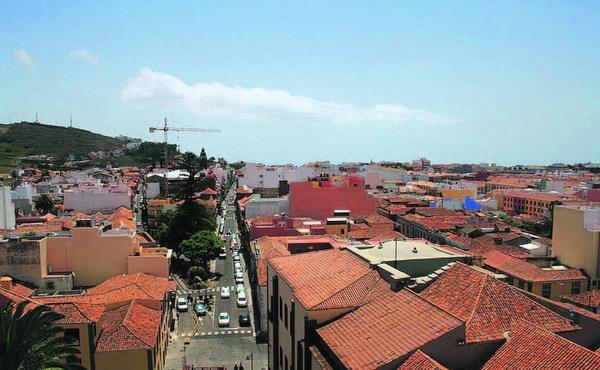 Aus der Turmperspektive bietet sich dem Betrachter ein wunderschöner Blick über die Dächer der Stadt.