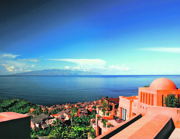 Das erste Luxushotel in der Gemeinde Guía de Isora war das Hotel Abama in Playa San Juan, ein weiteres soll noch in diesem Jahr in Alcalá eröffnet werden