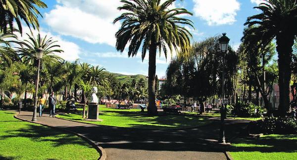 Der Park ist zwar klein, aber sehr hübsch angelegt.