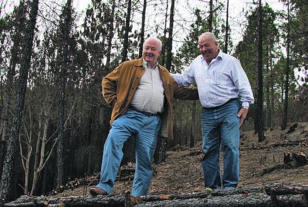 Beide Politiker zeigten sich erfreut über die gelungenen Hilfsmaßnahmen, die auch dank eines regenarmen Winters die gewünschte Wirkung zeigten