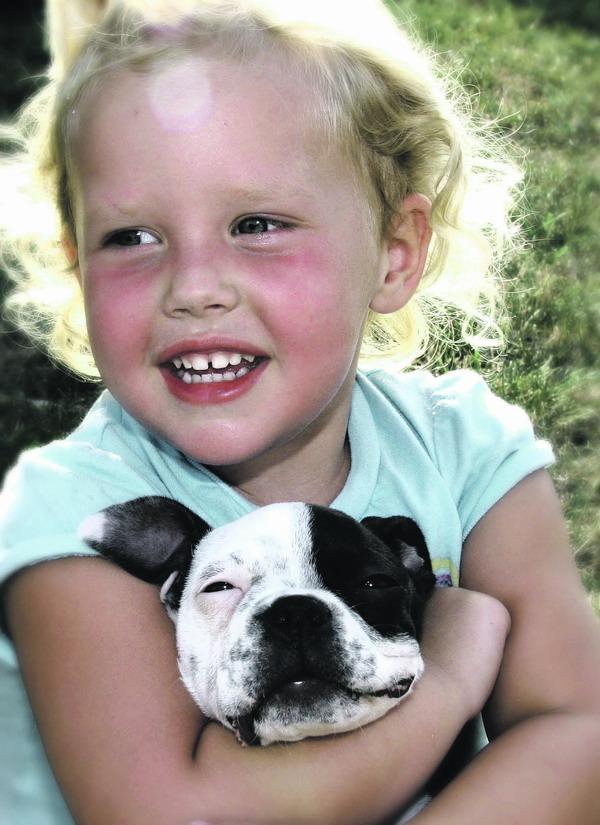 Kinder und Hunde – eine Beziehung, die beide zufrieden und ausgeglichen macht