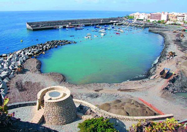 Ein Blick auf den neuen Strand neben dem Hafen in Playa San Juan