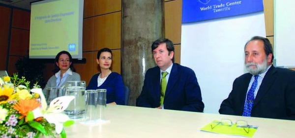 Die Repräsentanten von Sofitesa und vom World Trade Center bei der Eröffnung der fünften Unternehmertagung