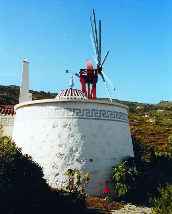 """Die aus dem 19. Jahrhundert stammende ehemalige Gofiomühle beherbergt seit über 30 Jahren die Keramikwerkstätte """"El Molino""""  (Villa de Mazo)"""
