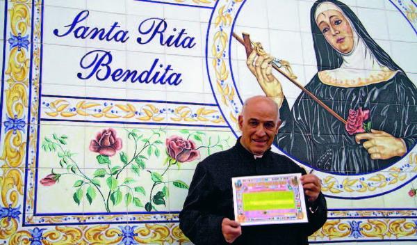"""Padre Antonio ist ein himmlischer """"Immobilienmakler"""" und schafft damit ein Stückchen Paradies auf Erden."""