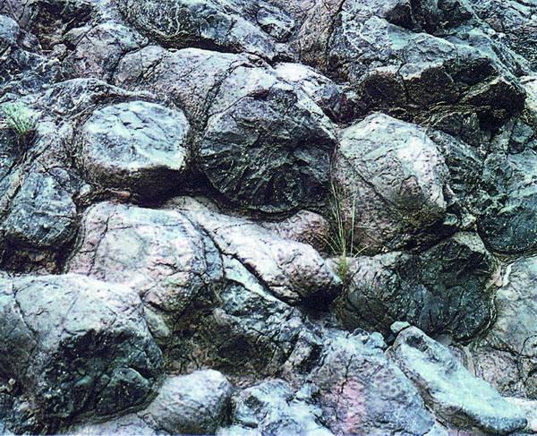 """Kissenlava"" an den Steilhängen im Barranco des las Angustias"