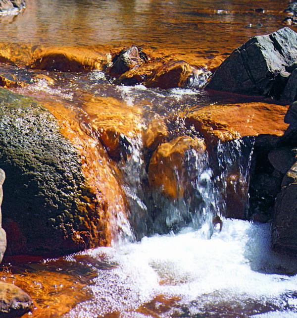 Wasserlauf in der Caldera de Taburiente