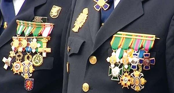 Die Ehrenmedaille sollten denen vorbehalten sein, die unter Einsatz ihres Lebens andere retten oder wichtige Festnahmen tätigen.