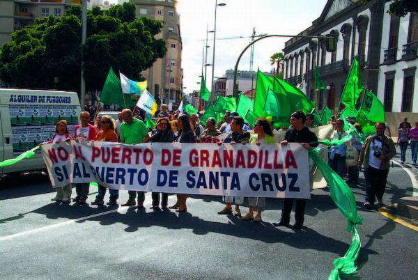 Die letzten Demonstrationen gegen das Hafenprojekt bleiben erfolglos: die Bauarbeiten werden in Kürze beginnen