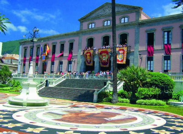 Auch dieses Jahr wird am 29. Mai wieder ein gewaltiger Sandteppich vor dem Rathaus entstehen