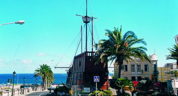 """Das Schiffsmuseum in Santa Cruz de La Palma befindet sich in einem der """"Santa María"""" von Christoph Kolumbus nachempfundenem Schiff. Der berühmte Entdecker ist jedoch nie auf La Palma gewesen"""