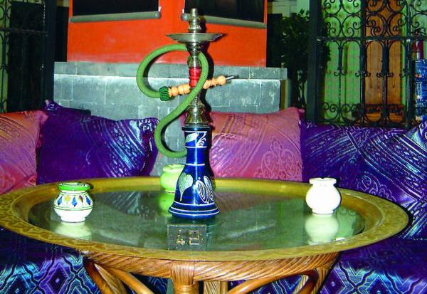 Im Beduinenzelt herrscht mit Bauchtanz und Wasserpfeife orientalische Atmosphäre
