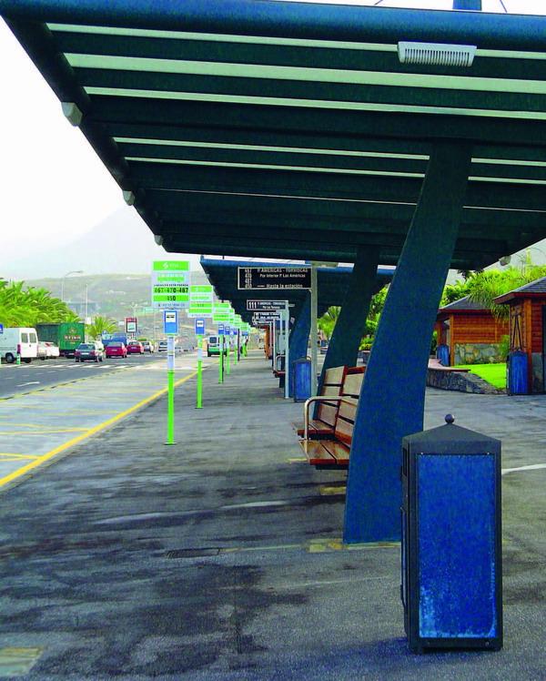 Ab Los Cristianos fährt der Aerobus ohne Zwischenstopp zum Südflughafen Reina Sofía