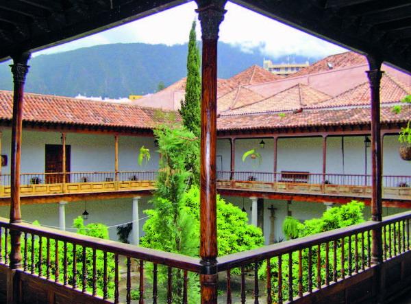Ein wunderschöner Innenhof zieht die Besucher gleich beim Betreten in seinen Bann
