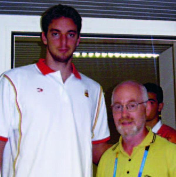 Pau Gasol with Island Connections' Karl McLaughlin during the last Olympic games