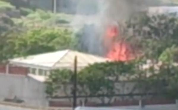 Anwohner alarmierten die Feuerwehr, nachdem sie die Rauchsäule aufsteigen sahen.
