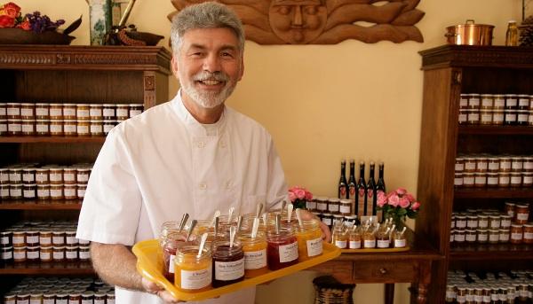 Wolfgang Creter und seine Frau Angelika verwöhnen ihre Gäste gerne mit den exotischsten Fruchtkombinationen.