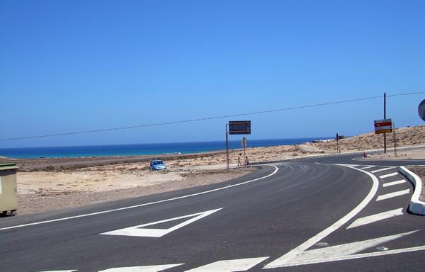 Das Straßennetz auf der Insel Fuerteventura wurde in den letzten fünf Jahren merklich verbessert