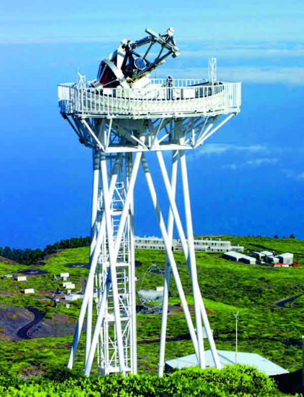 Wesentliche Forschungsarbeiten am Sonnenteleskop Dutch-Open-Telescope (DOT) beschäftigen sich mit der Untersuchung der räumlichen Atmosphärenstruktur der Sonne