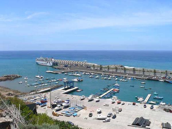 Blick auf den derzeitigen Hafen von Tazacorte auf La Palma