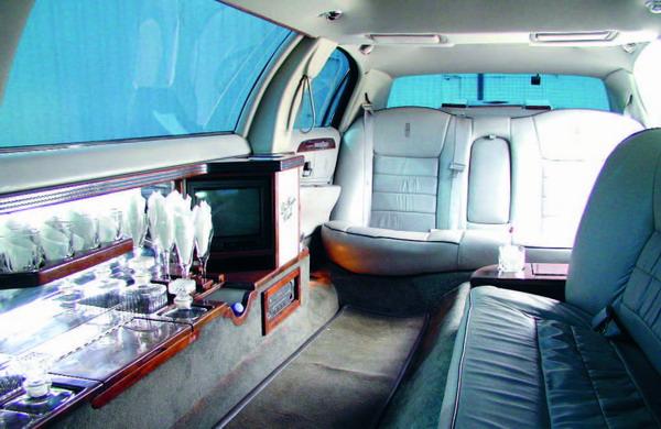 Statussymbole wie diese Limousine lassen vielfach Neidgefühle aufkommen