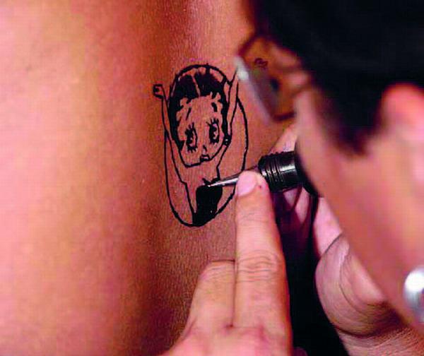 Mode, die man auf der Haut trägt – Tattoos sind ein alter und doch neuer Trend