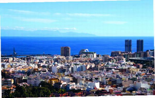 Die Stadt Santa Cruz fasziniert aus dieser Perspektive