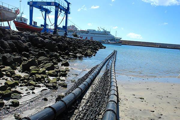 Am Hafen von Puerto del Rosario wurde das System zusammengebaut