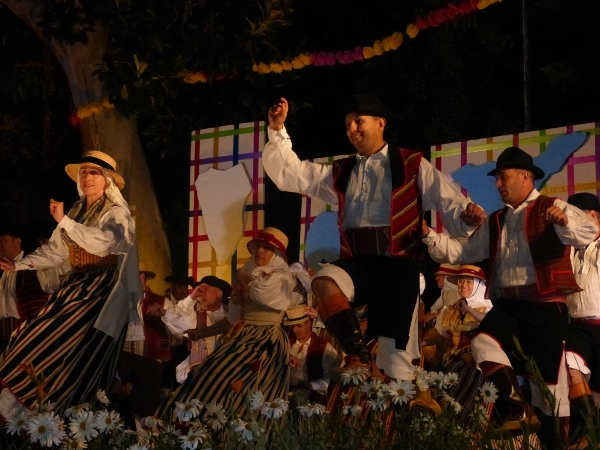 Die Gastgeber, die Folkloregruppe Oroval aus La Orotava.