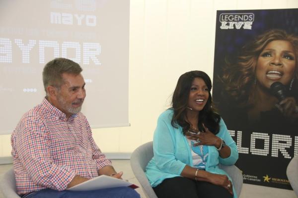 Bürgermeister Fraga dankte dem Superstar dafür, das erste Konzert der Tour auf den Kanaren auf Teneriffa zu geben.