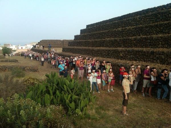 Ein ganz besonderes Ereignis, das mit dem Stand der Sonne zu den Spitzen der Pyramiden zu tun hat.