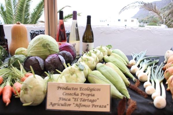 Das Fest von Wein und Tapas basiert auf lokalen Produkten und Zutaten.