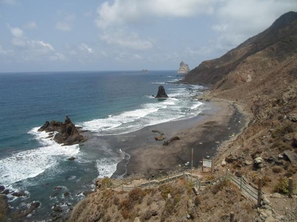 Der Strand Playa Benijo ist wegen seiner tückischen Strömungen nicht ungefährlich.