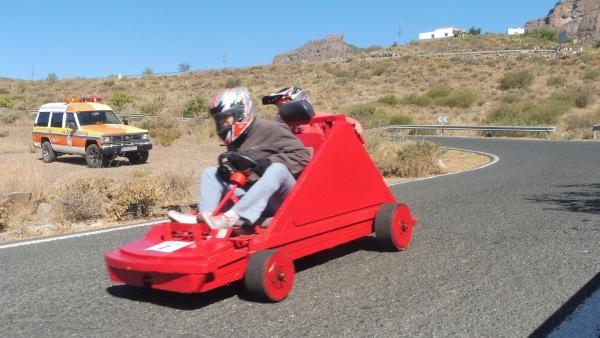 Ein lustiges Rennen in noch witzigeren Autos. Dieser Sport hat viele gut gelaunte Fans.