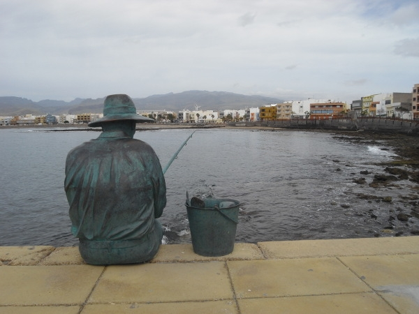 An der Küste von Arinaga fand ein Mann den Tod im Wasser. Immer öfter sind auch einheimische Fischer betroffen.
