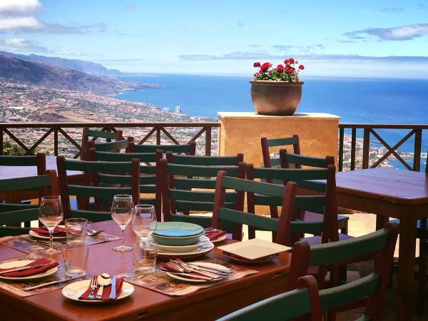 Die Aussicht war schon immer spektakulär. Jetzt hat auch das Restaurant einen neuen Look.