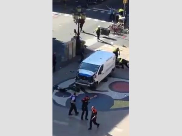 Attentat in Barcelona – Transporter fuhr in Menschenmenge