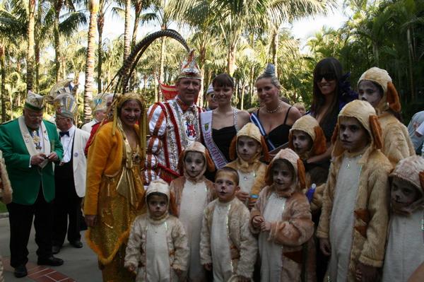 Prinz Lothar I, & Venetia Ute, die Karnevalskönigin von Puerto de la Cruz und Ehrendame