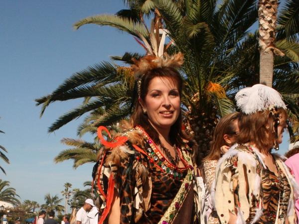 Karneval in Puerto de la Cruz 2009 - Selbstverständlich dabei die Bürgermeisterin Lola Padron