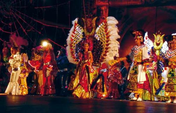 Im nächsten Jahr gibt es auch eine glamouröse Gala für den ersten Karnevalskönig Teneriffas