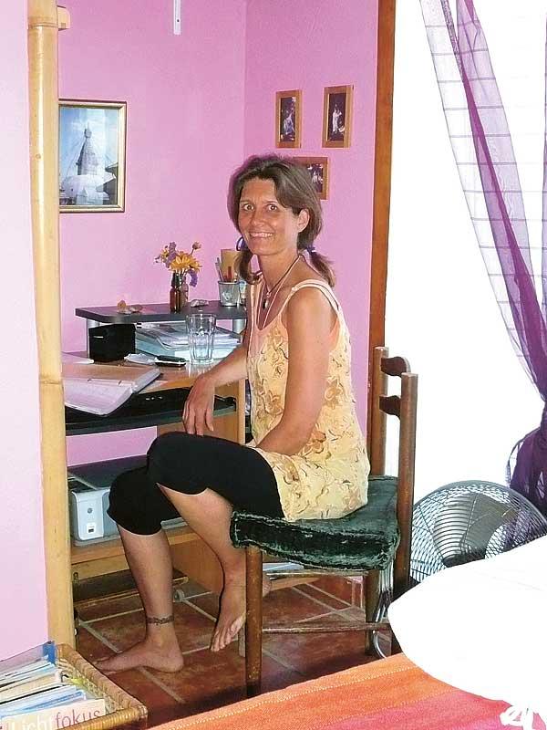 Claudia in ihrem Behandlungsraum in El Médano