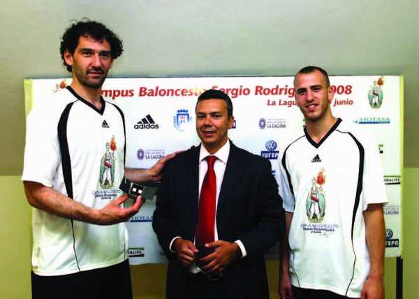 Sergio Rodríguez (far right) at a previous coaching course in Tenerife
