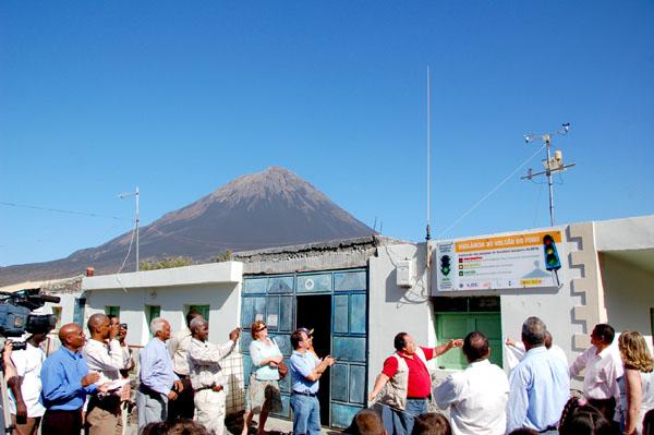Das Observatorium mit Blick auf Kuppe des Fogo