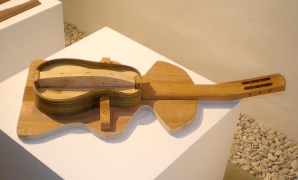Das Timple wird in Handarbeit hergestellt