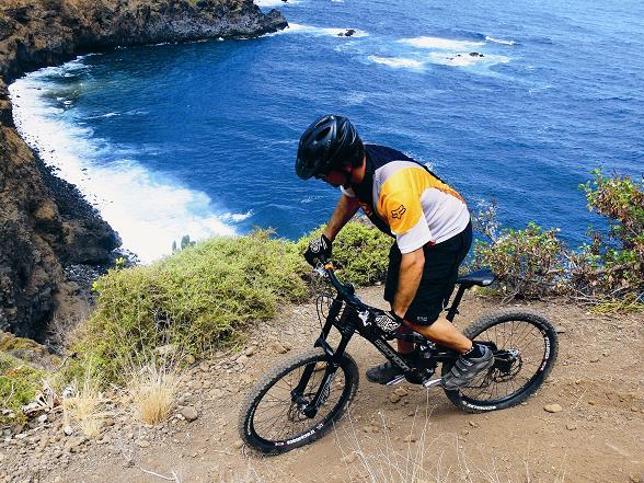 Faszination entlang der Steilküste, Vorsicht ist geboten